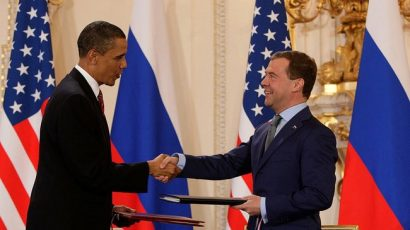 Presidents Obama_and_Medvedev_sign New START in April 2010. Photo by: Kremlin.ru