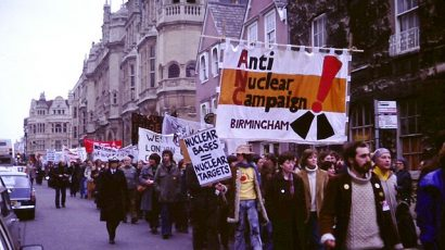 An anti-nuclear weapons protest march, Oxford, England, 1980. Photo credit: Kim Traynor